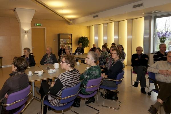Bezoek nationaal bureau Breda-26-11-2013 - 003
