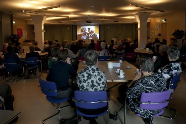 Bezoek nationaal bureau Breda-26-11-2013 - 005