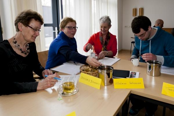 Introductiecursus-aan-de-slag-bij-de-Zonnebloem 16-3-2013 - 006