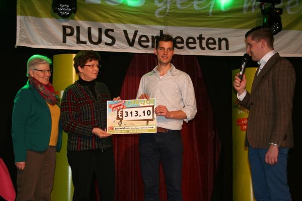 Afsluiting-sponsoractie-plus-verbeeten-overloon-vierlingsbeek-24-02-2014 - 004